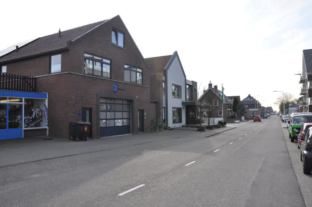 Langeweg, Roelofarendsveen