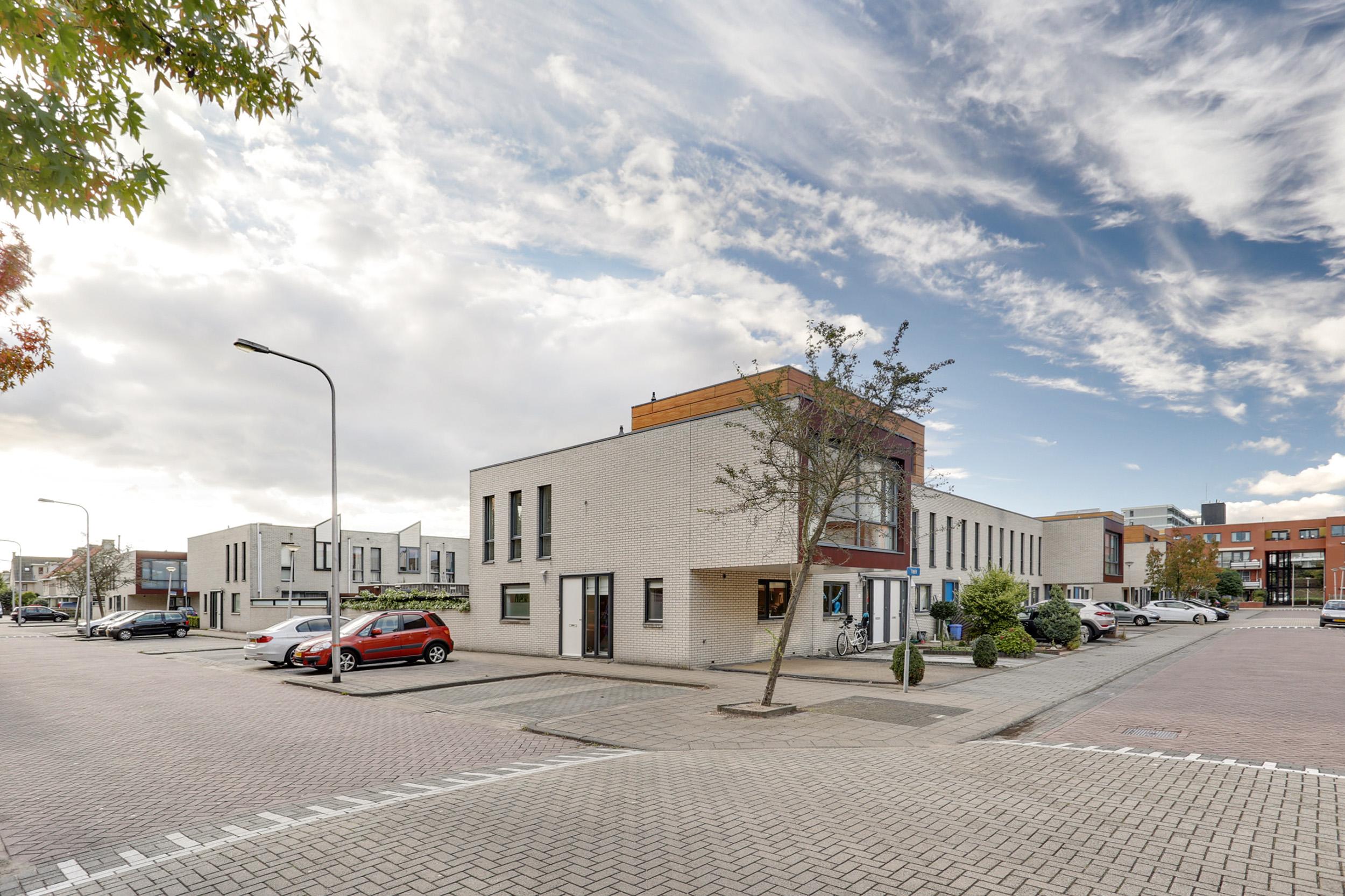 Burgemeester van Heugtenlaan 18, Rotterdam