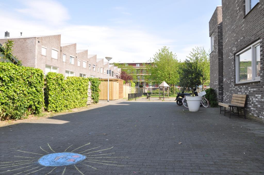 Donizettihof, Nieuw Vennep