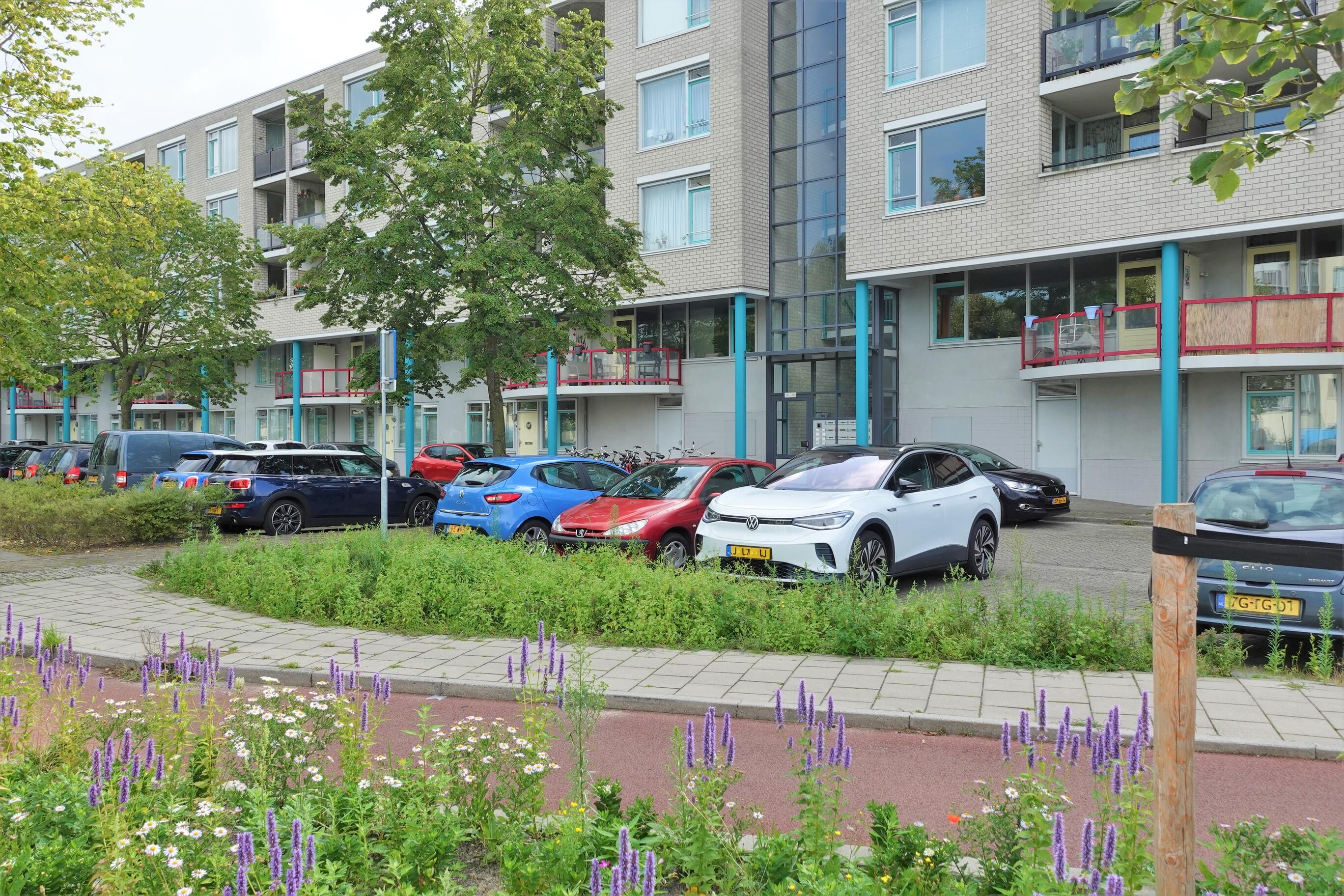 Aartsbisschop Romerostraat 157, Utrecht
